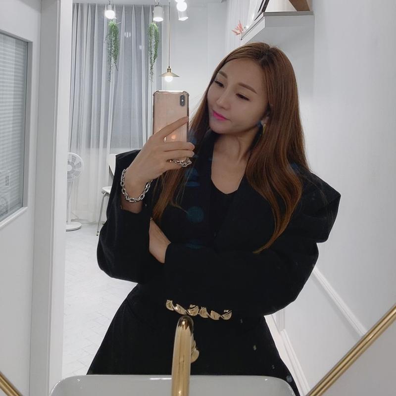 [韓国レビュー]独特なデザインなのでよく着ます。