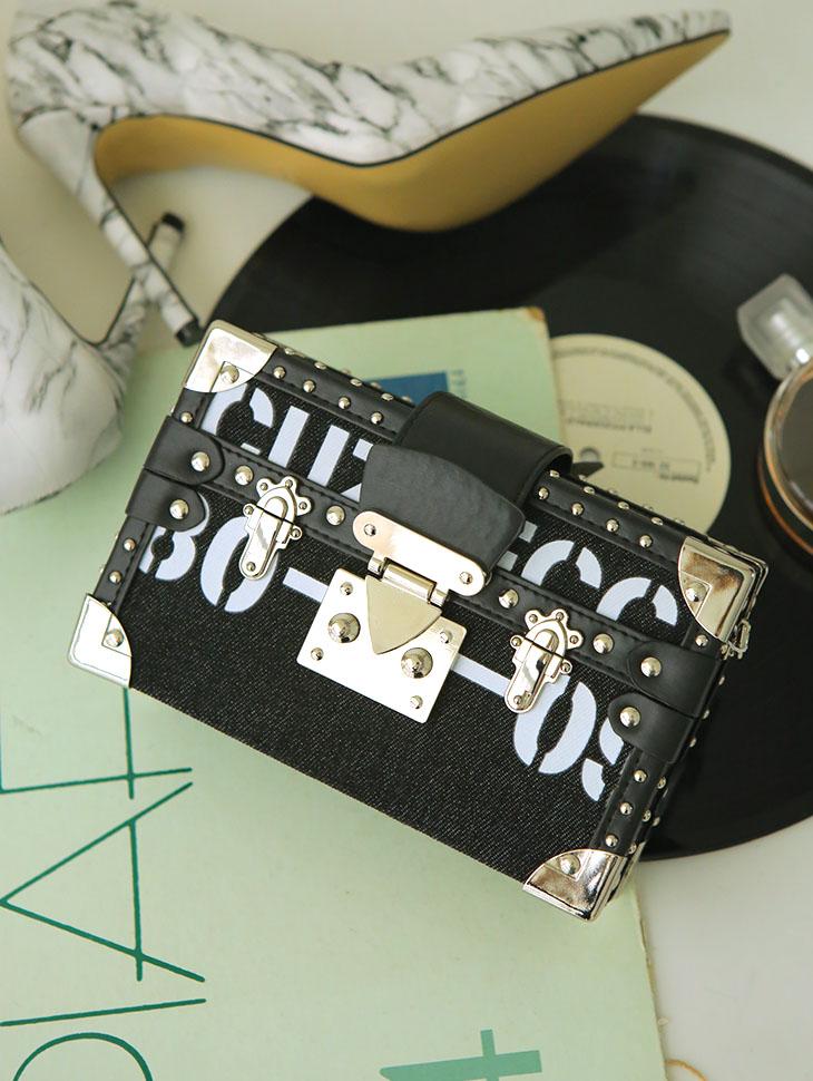 A-1042レターリングブラックボックスバックパック