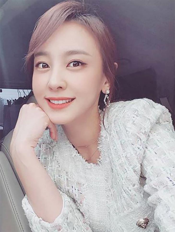 テレビスポンサー<br><br> <b>Instagram</b> <br> Kang Byeol <br><br> J601