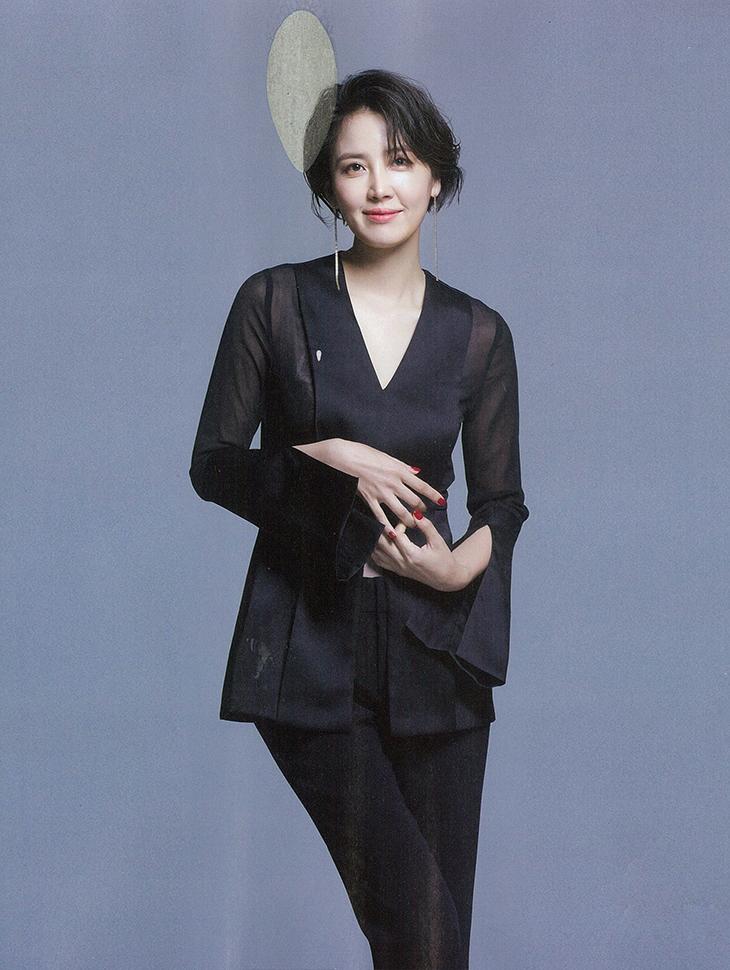 マガジン<br><br> <b>Female choseon</b> <br> Shin Dong-mi <br><br> B1709