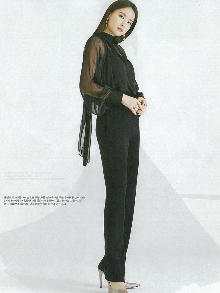 マガジン<br><br><b>Female chosun</b> <br> Gong Hyeonju <br><br> B2488